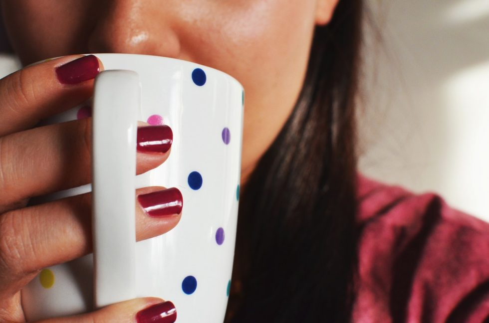 woman-coffee-cup-morning-routine