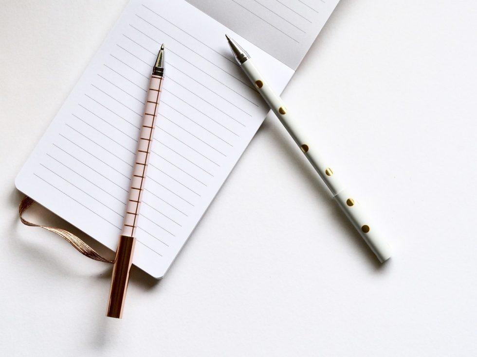 notebook-pens-blogging